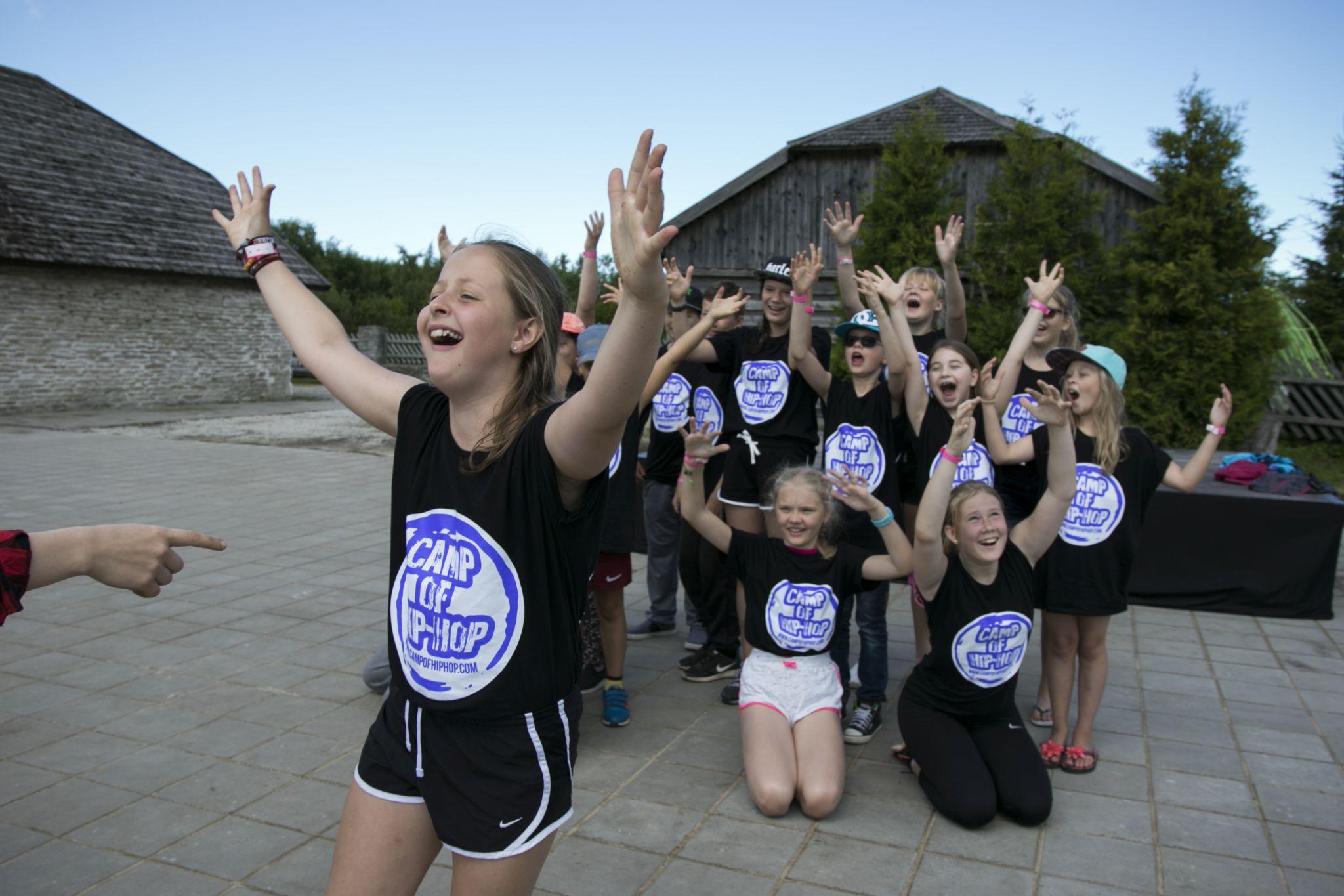 FOTOD! Ja hakkaski pihta! Liipa Talus avati Camp of Hip-Hop noortelaager