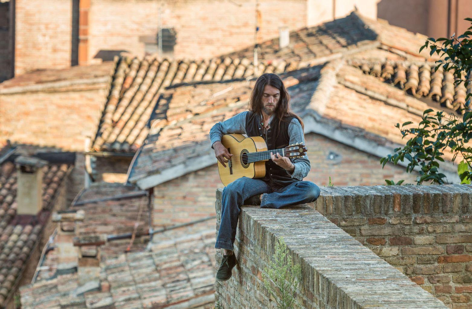 INTERVJUU! Maailmakuulus tänavamuusik Estas Tonne: lubada endale lihtsust praegustel aegadel on väga oluline!