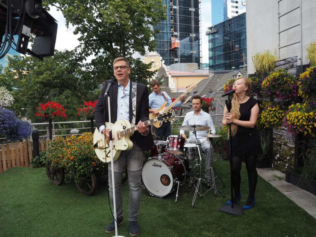 "VIDEO! Alen Veziko esitles Reporteris uut singlit ""Lõpuks leidsin sind"""