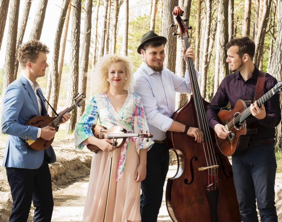 UUS LAUL! Curly Strings avalikustas taasiseseisvumispäeva puhul uue loo