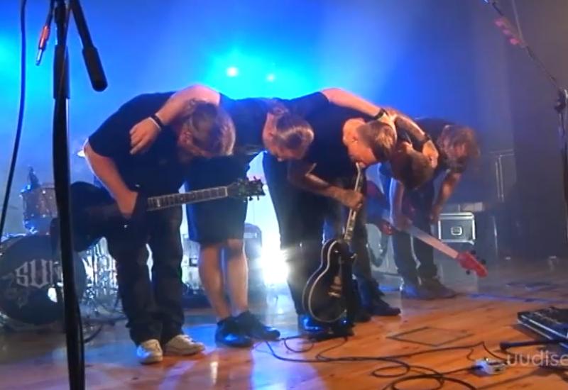VIDEO! Tanel Padar & The Sun andis Kihnus viimase emotsionaalse kontserdi