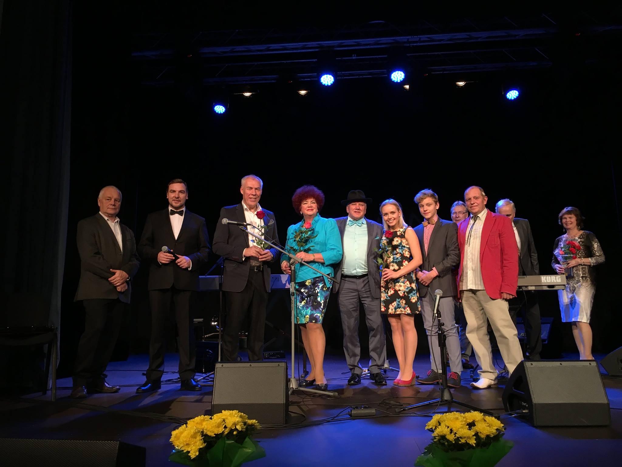 Toivo Asmer, Merle Lilje, Peeter Kaljuste, Männiste Perebänd, Sirje ja Rein Kure kontsert tõi kohale täismaja