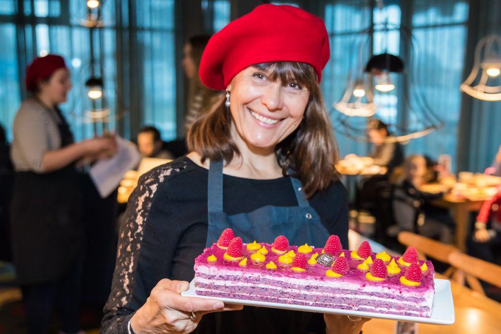Galerii! Särav Rita Rätsepp serveeris Café Lyonis hommikusööki