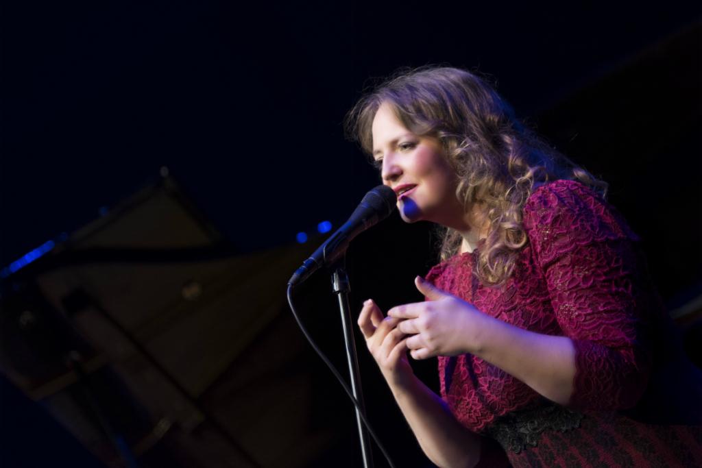 """UUS LUGU! Hedvig Hanson kirjutas Eesti sünnipäevaks laulu """"Kodumaa"""""""