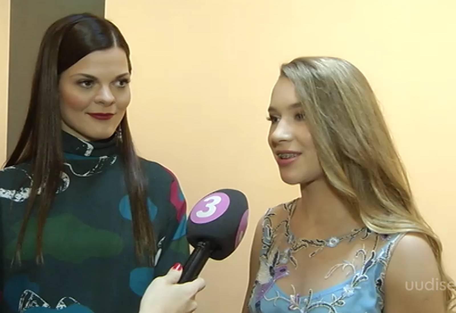 Video! Eesti Vabariigi sünnipäeval naasis Kelly Sildaru taas suuskadele!