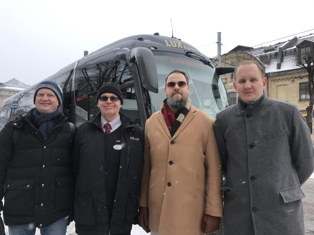 """""""Klassikokkutulek 2"""" näitlejad sõitsid Saaremaale esilinastusele"""