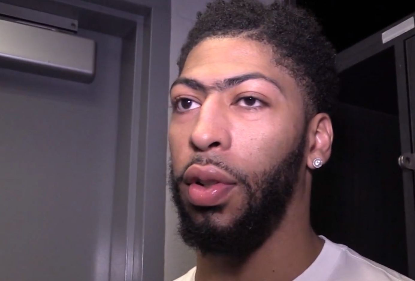 VIDEO! NBA superstaar Anthony Davis andis Tallinna TV-le eksklusiivintervjuu