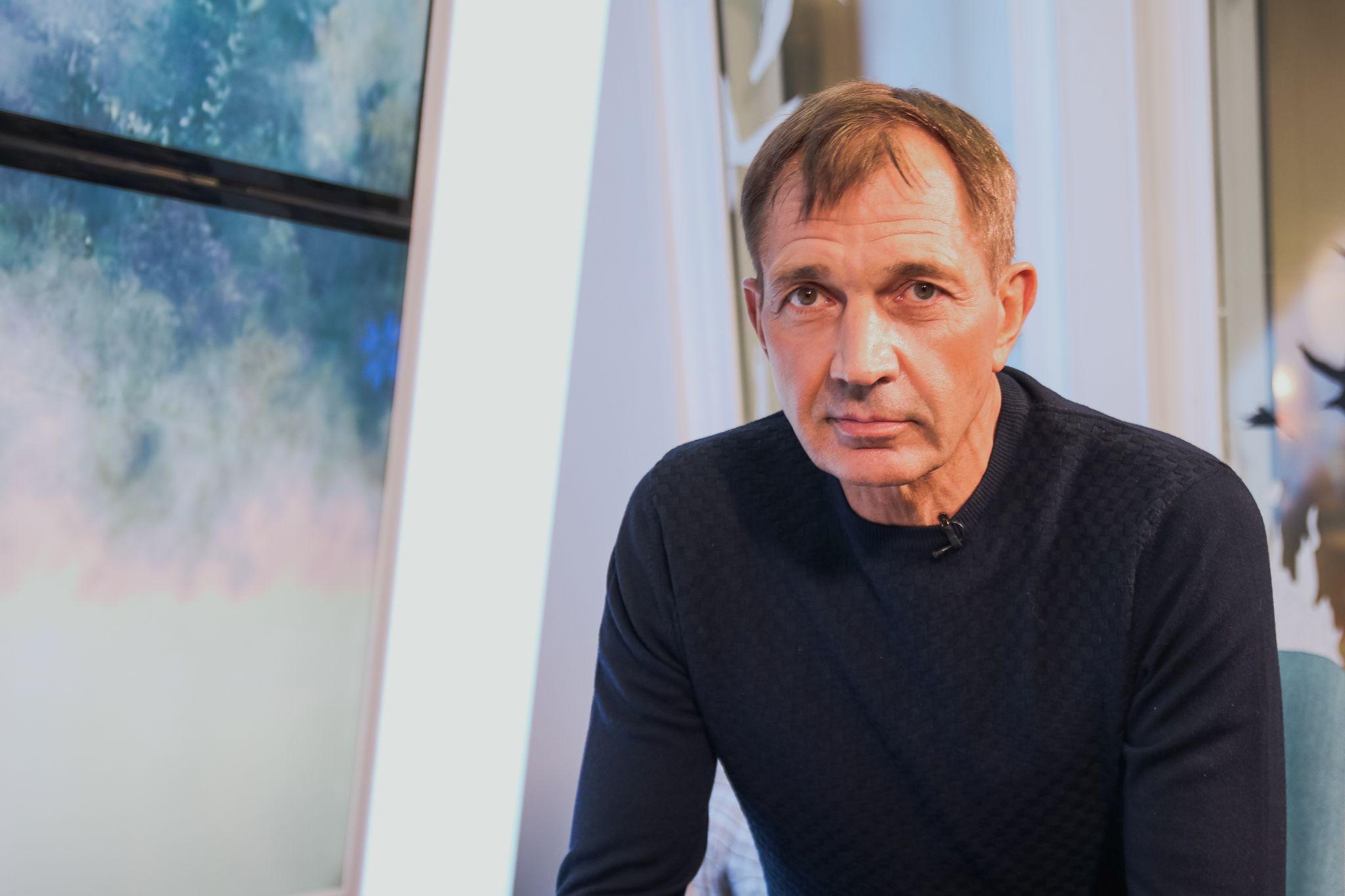 """TÄNA SAATES! """"Hästi, Eesti!"""": Urmas Sõõrumaa, Karl Madis, Alen Veziko ja Artjom Savitski toetavad tiigrit"""