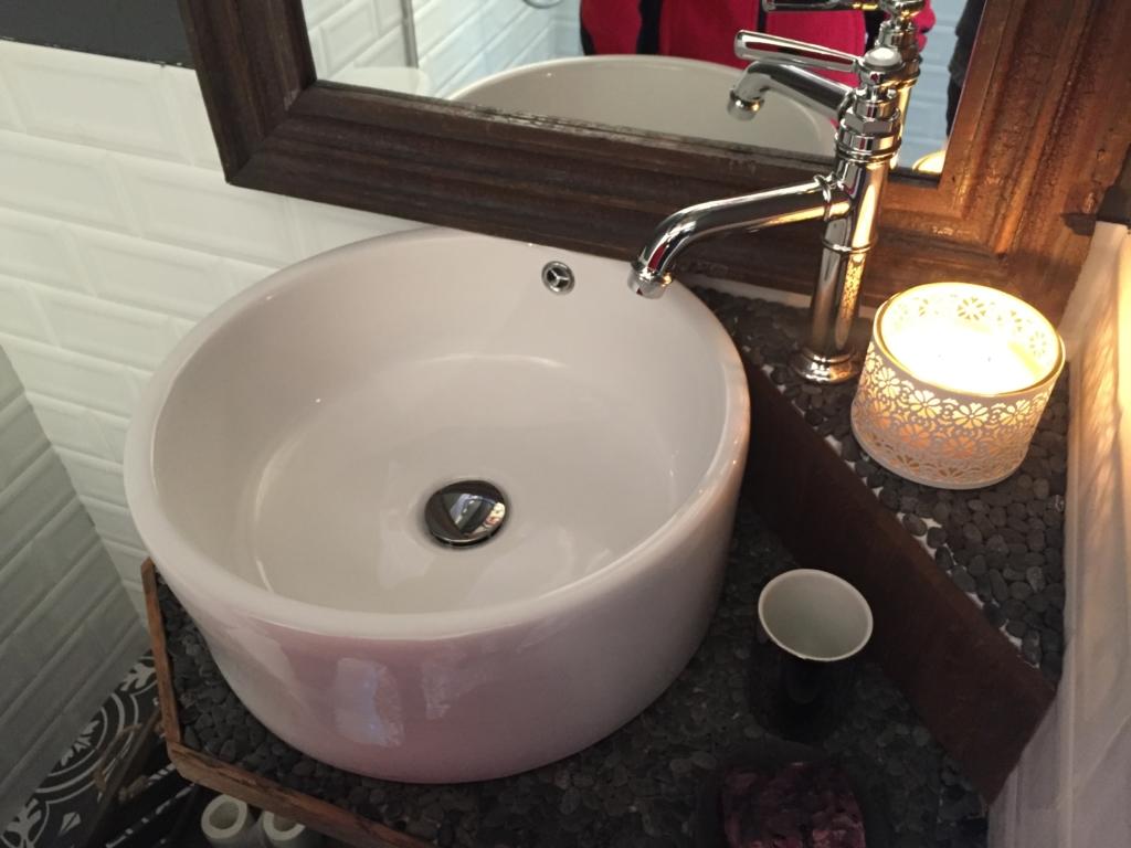 """Tänases """"Naabrist parem"""" osas remonditakse vannitube"""