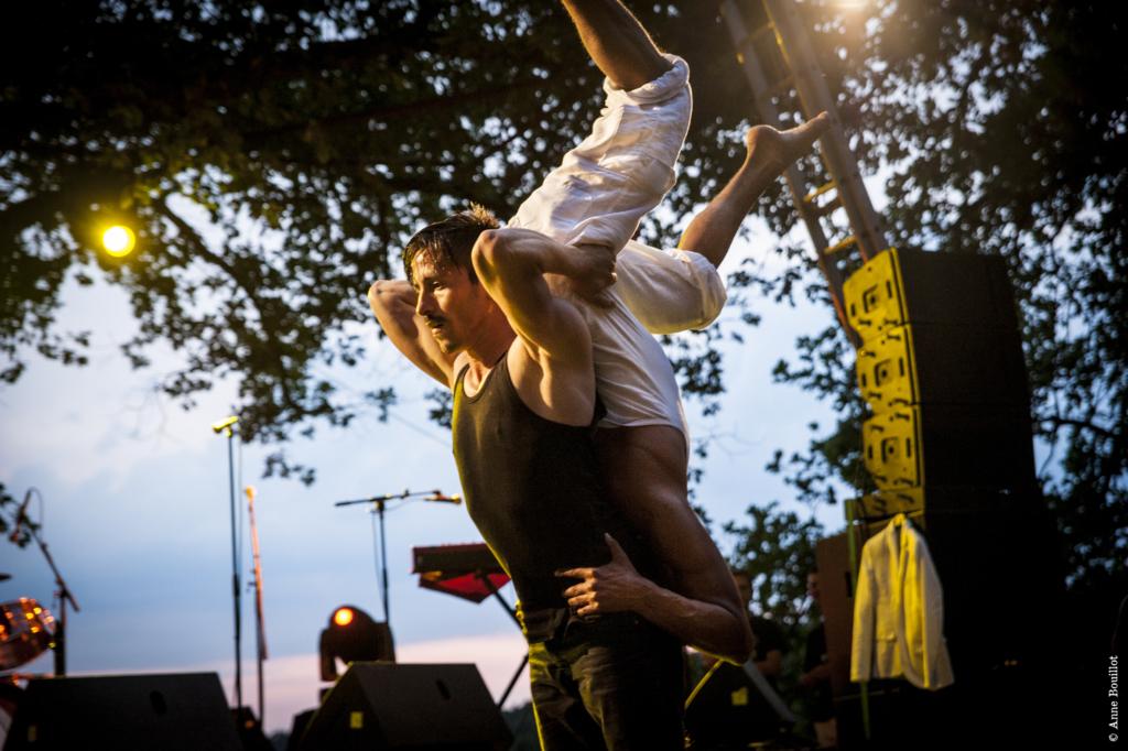 HOOG festival toob Eestisse kaasaegse tsirkuse artistid üle maailma