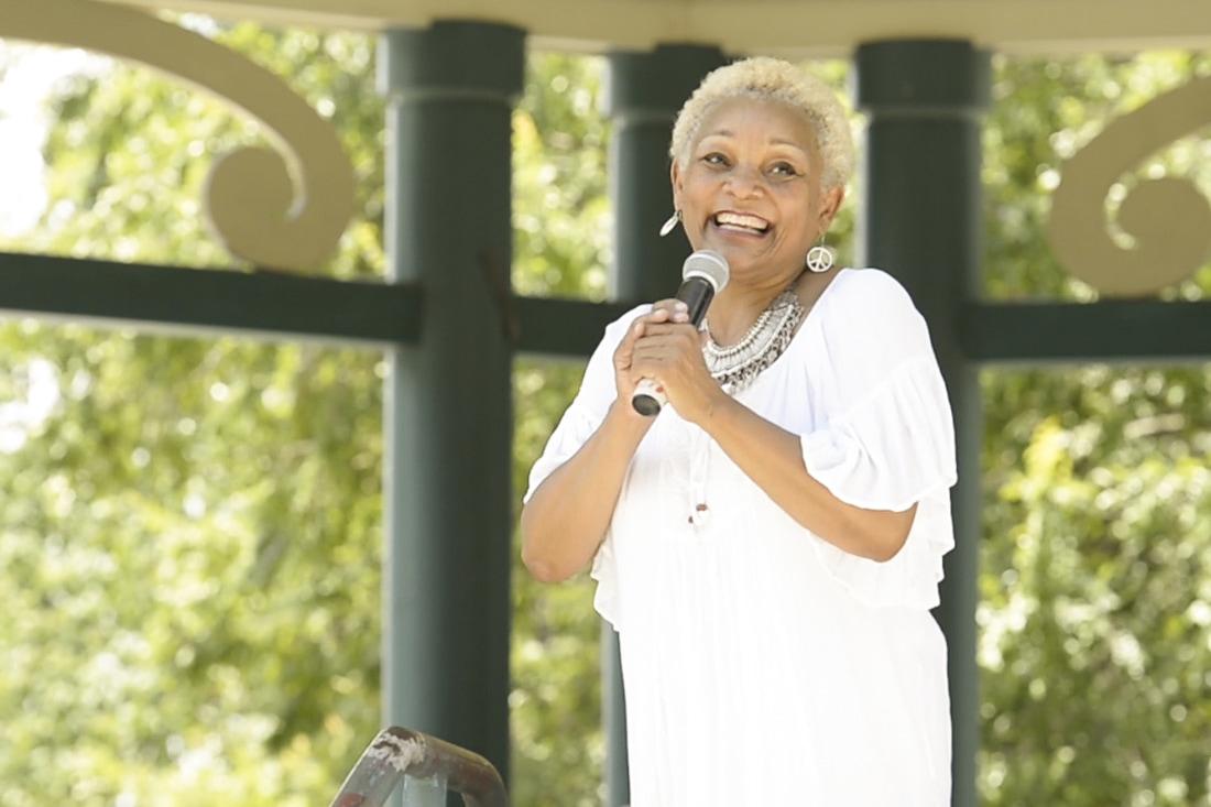 Ameerika jazzlaulja Myrna Clayton annab emadepäeval Eestis kontserdi