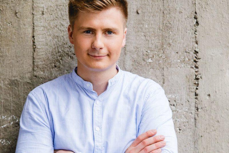 """VIDEO! Uudo Sepp avaldas debüütsingli """"Võitmatu"""" muusikavideo"""