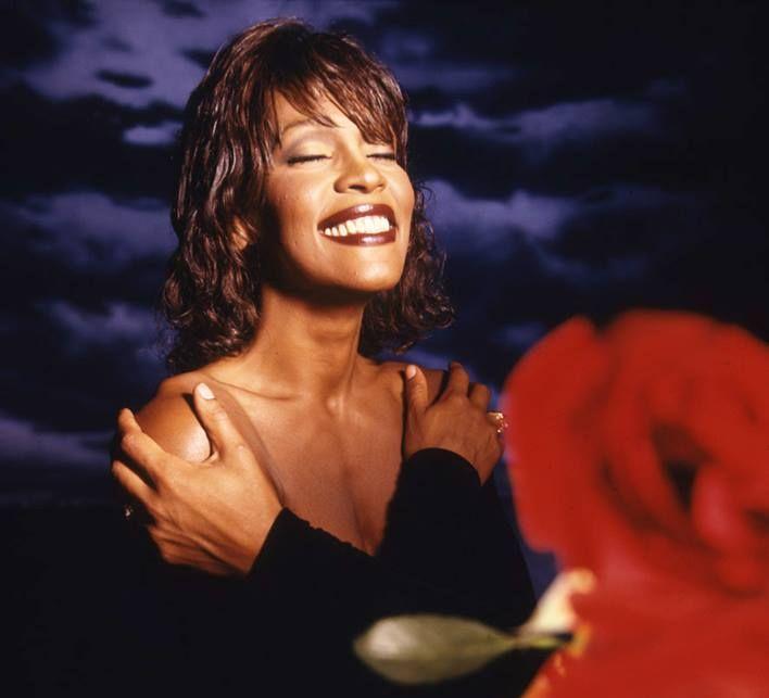 """Eluloofilm """"Whitney: Luba olla mina ise"""" on pühendatud laulja 55. sünnipäeva auks"""