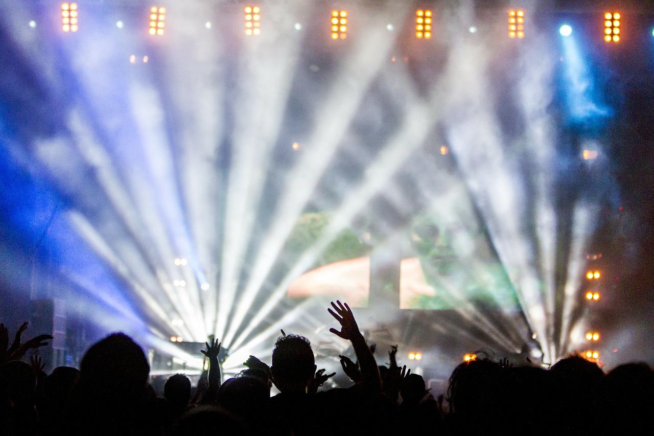 VIDEO I Bon Jovi kontserdile paigaldatakse hiigelekraan