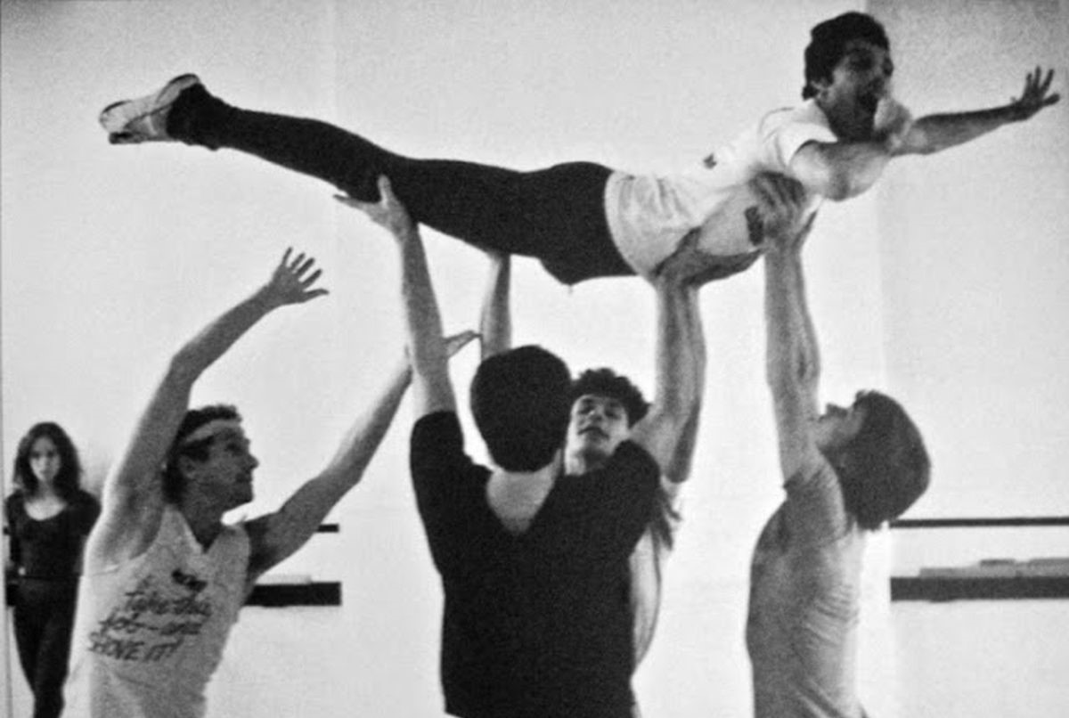 Freddie-Mercury-rehearsing-with-the-Royal-Ballet-in-1979-7