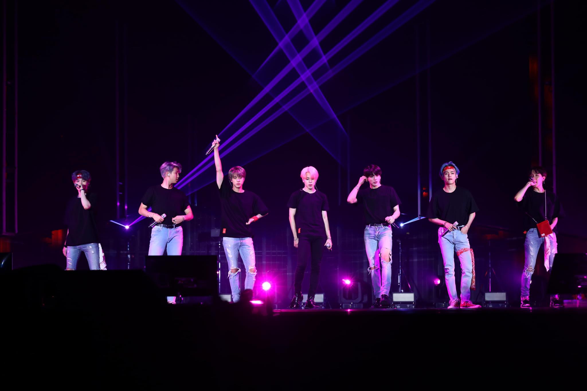 Lõuna-Korea menubänd BTS tuleb uhiuue filmiga taas Forum Cinemase kinodesse