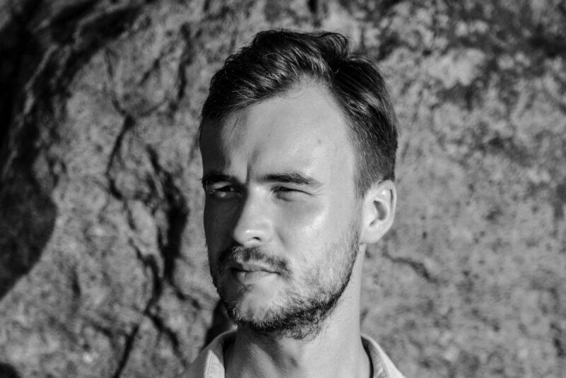 """Kontserdil """"Viis kitarri"""" esineva Marten Kuninga sooviks on viia mediteerimine koolidesse, töökollektiividesse ja vanglatesse"""