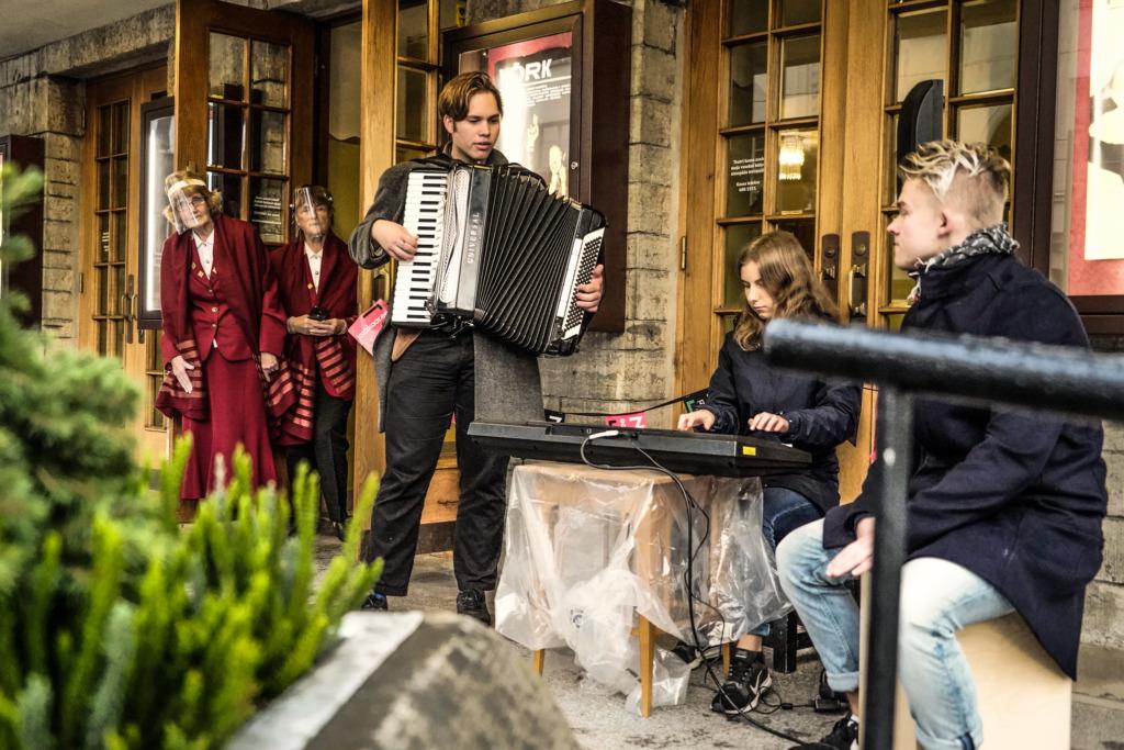 OOTAMATUD MUUSIKALISED KOHTUMISED I Jazzkaare linnaruumiprojekt täidab Tallinna, Tartu, Pärnu ja Viljandi kesklinna muusikaga