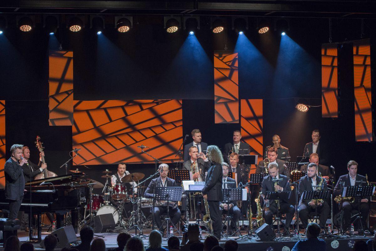Kristjan Randalu ja New Wind Jazz Orchestra foto Teet Raik 4